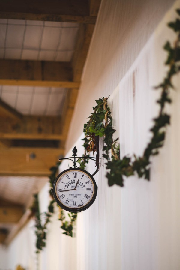 Beautifully-Natural-Indoor-Wedding-at-The-Woolshed (7 of 40)
