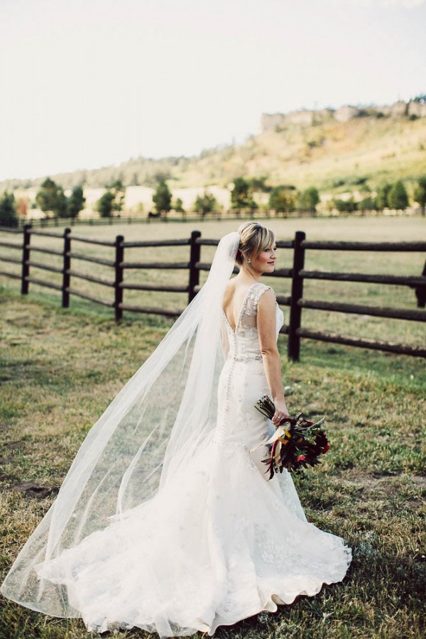 Lovely-Natural-Wedding-at-Spruce-Mountain-Ranch (15 of 40)
