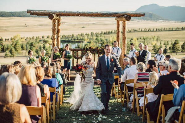 Lovely-Natural-Wedding-at-Spruce-Mountain-Ranch (23 of 40)