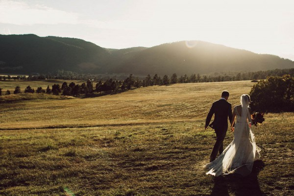 Lovely-Natural-Wedding-at-Spruce-Mountain-Ranch (24 of 40)