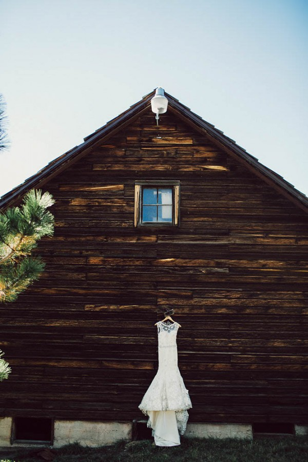 Lovely-Natural-Wedding-at-Spruce-Mountain-Ranch (4 of 40)