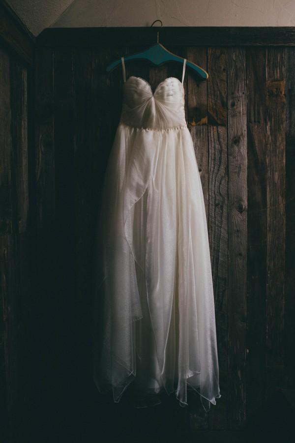 Modern Jewel Tone Wedding at Vista West Ranch | Junebug Weddings