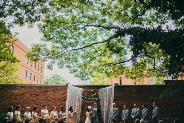 Modern Vintage Wedding In Columbus Ohio Junebug Weddings