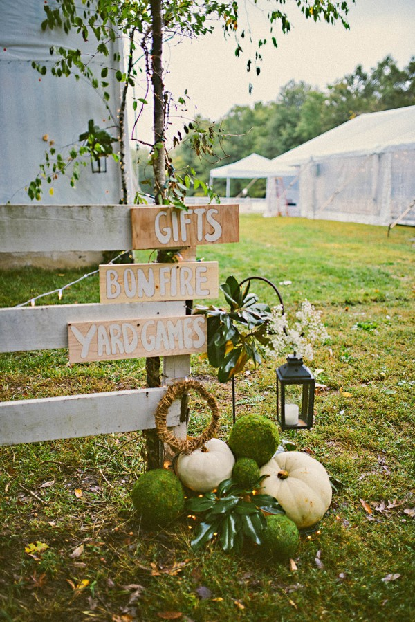 Natural-Modern-Backyard-Wedding-Virginia-Danielle-Real-Photography (28 of 34)