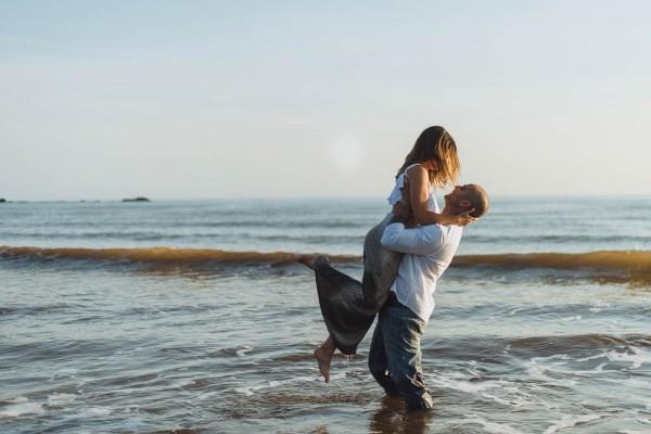 Romantic-New-Brunswick-Beach-Engagement (16 of 23)