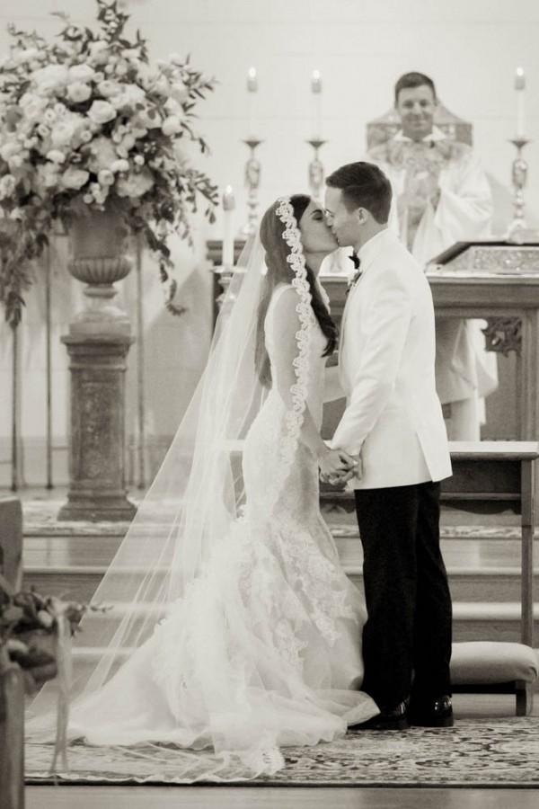 Blush and Gold Wedding at Jonathan Edwards Winery | Junebug Weddings