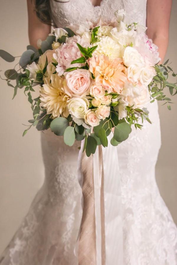 Blush-and-Gold-Wedding-at-Jonathan-Edwards-Winery (4 of 37)