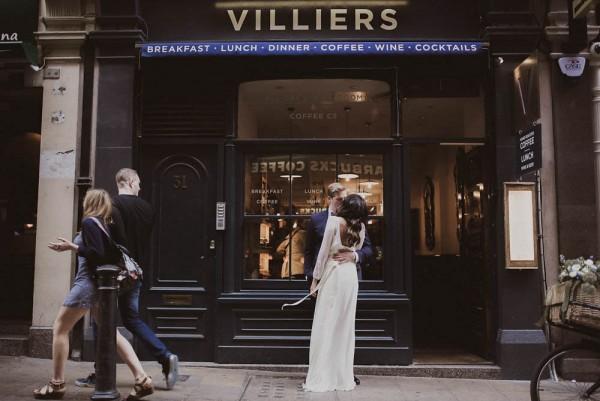 Downtown-London-Destination-Wedding-Inspiration-Linen-Silk-Weddings (25 of 25)