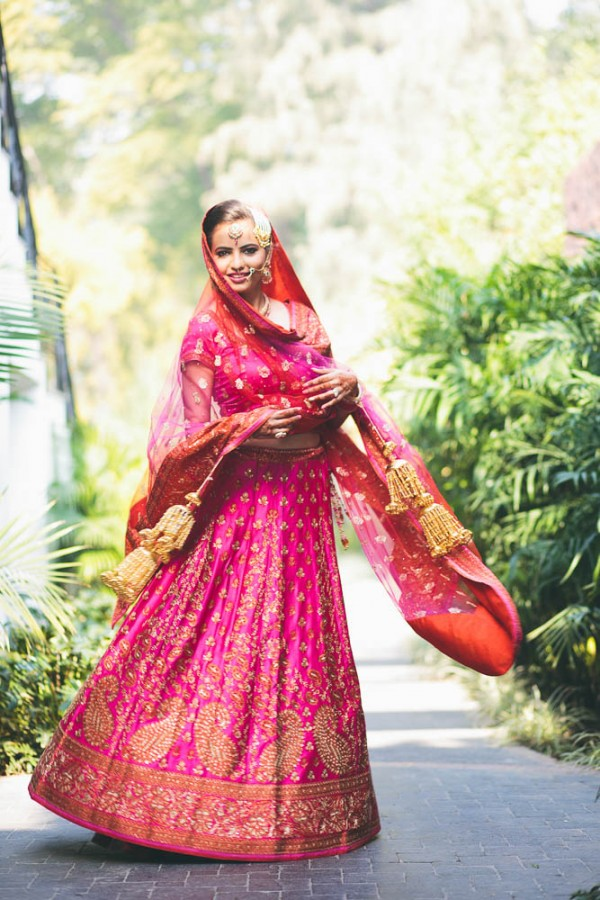 Fuchsia-and-Orange-Wedding-in-India (11 of 35)