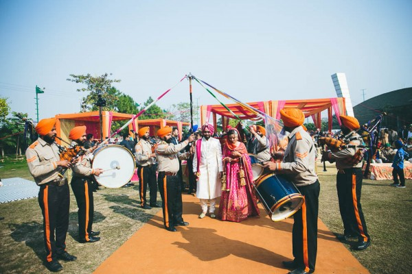 Fuchsia-and-Orange-Wedding-in-India (24 of 35)
