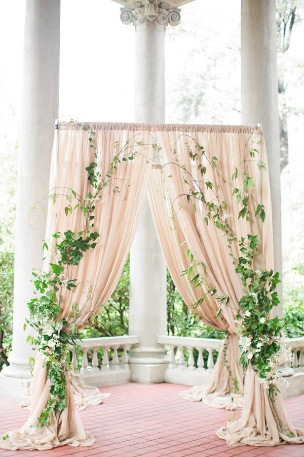 Ivy-Floral-Wedding-Inspiration-Hycroft-Manor-Laura-Sponaugle (8 of 22)