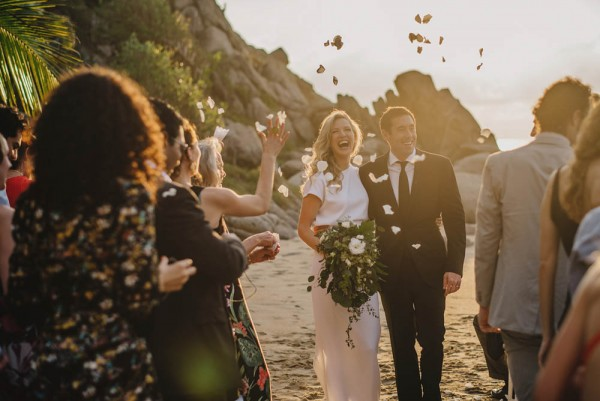 Minimalist-Destination-Wedding-TeiTiare-Estate-Gabe-McClintock-Fer-Juaristi (14 of 30)