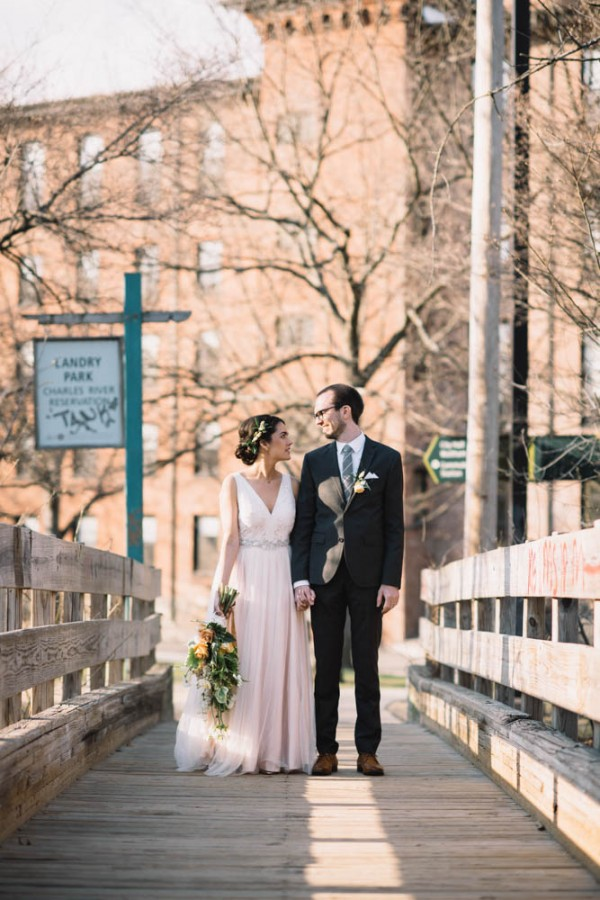 Natural Wedding At Charles River Museum Of Industry And Innovation Junebug Weddings