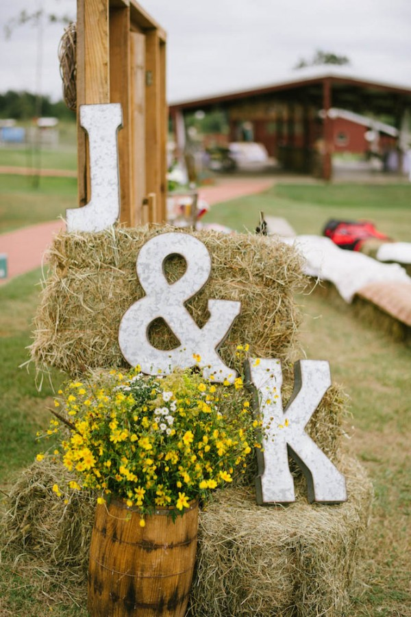 Peach-and-Mint-Wedding-at-Heifer-Ranch (37 of 41)