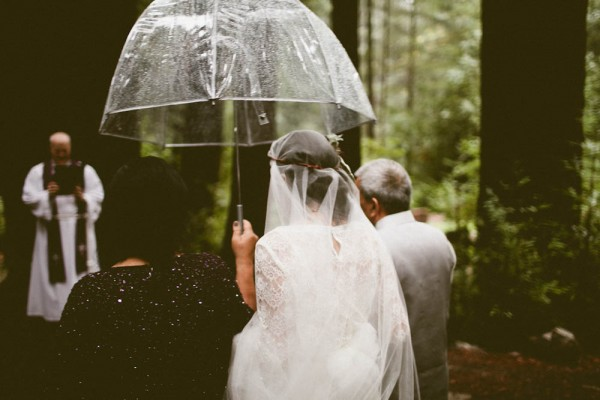 Rainy-Forest-Wedding-at-Stones-and-Flowers-Retreat-Andria-Lindquist (21 of 34)