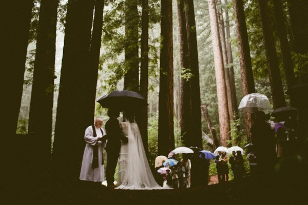 Rainy-Forest-Wedding-at-Stones-and-Flowers-Retreat-Andria-Lindquist (26 of 34)