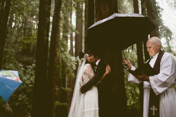 Rainy-Forest-Wedding-at-Stones-and-Flowers-Retreat-Andria-Lindquist (28 of 34)
