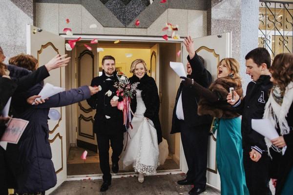 Romantic-Russian-Wedding-at-Marfino-Restaurant (14 of 29)