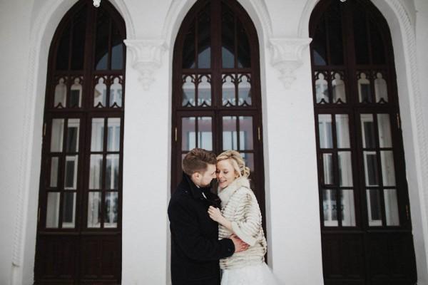 Romantic-Russian-Wedding-at-Marfino-Restaurant (20 of 29)