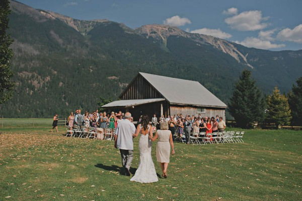 Rustic-Canadian-Wedding-Van-Loon-Farms-Jennifer-Armstrong-Photography (5 of 24)