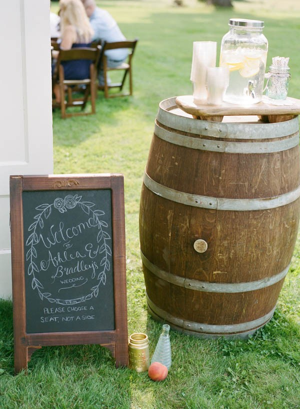 Sentimental-Handmade-Wedding-Wadsworth-Homestead-Maile-Lani-Photography (13 of 24)