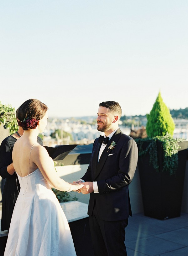 Stylish-Seattle-Wedding-The-Olympic-Rooftop-Pavillion (27 of 29)
