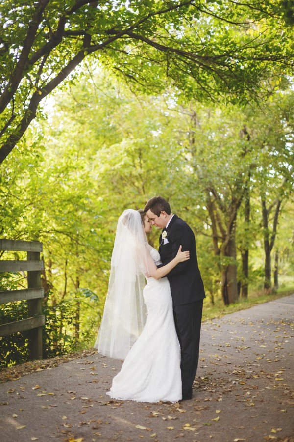 Gorgeous Bloomington-Normal Marriott Hotel Wedding | Junebug Weddings