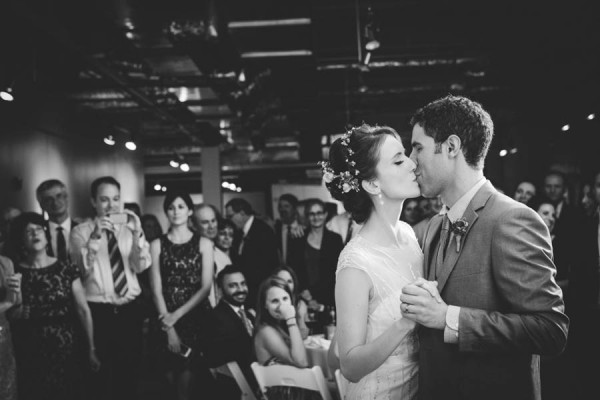 Colorful-Wedding-at-Floating-World-Gallery-Erin-Hoyt-Photography (21 of 22)