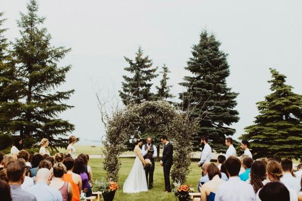 Stunning-Saskatchewan-Wedding-at-Cedar-Lodge (10 of 38)