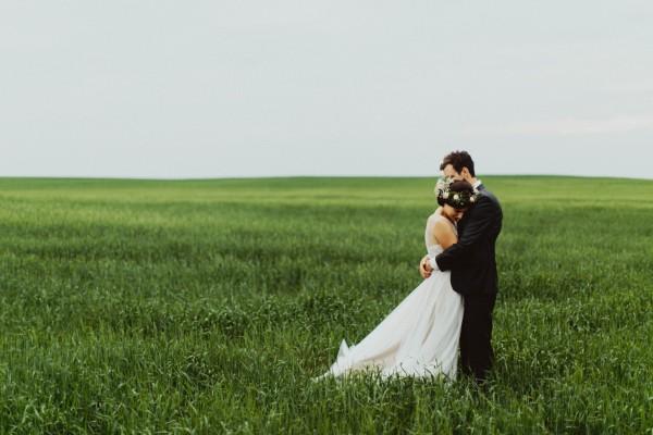 Stunning-Saskatchewan-Wedding-at-Cedar-Lodge (28 of 38)