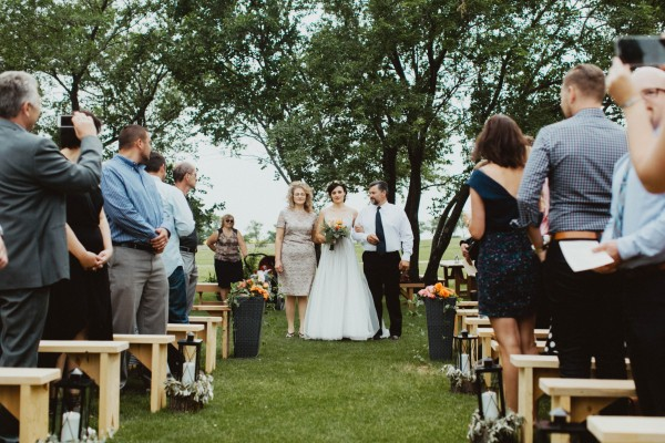 Stunning-Saskatchewan-Wedding-at-Cedar-Lodge (7 of 38)