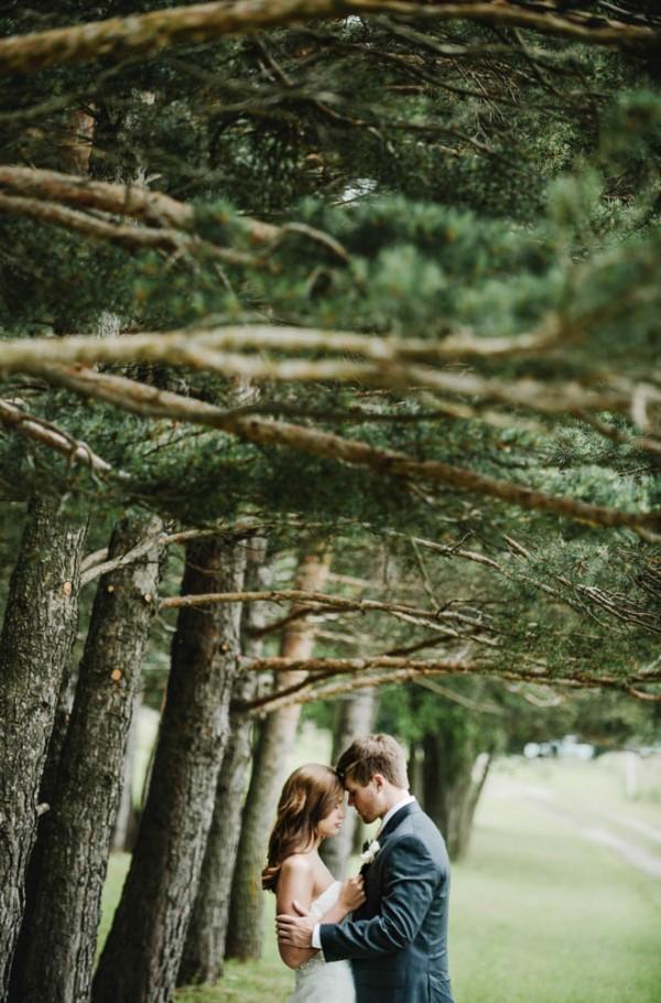 Elegant-Farm-Wedding-in-Iowa-Amanda-Basteen-Photography--11
