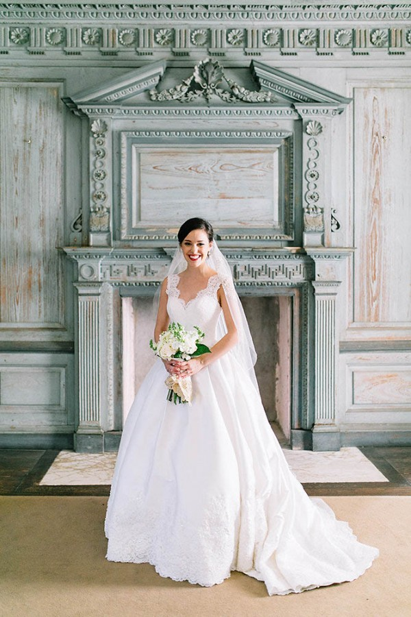 Elegant-Southern-Bridal-Portraits-at-Drayton-Hall-Catherine-Ann-Photography (1 of 27)
