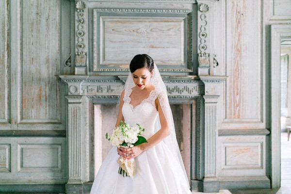 Elegant-Southern-Bridal-Portraits-at-Drayton-Hall-Catherine-Ann-Photography (2 of 27)