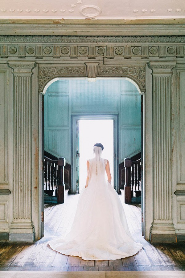 Elegant-Southern-Bridal-Portraits-at-Drayton-Hall-Catherine-Ann-Photography (7 of 27)