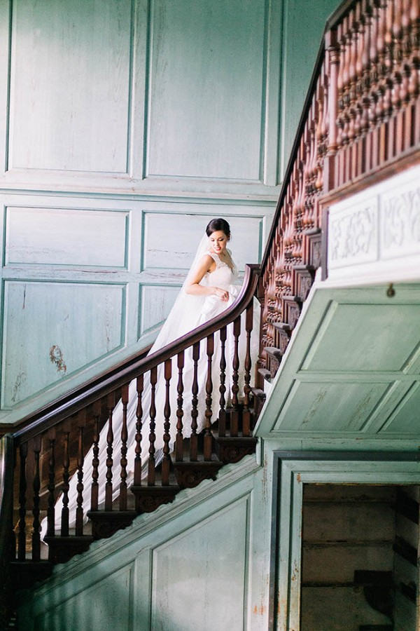 Elegant-Southern-Bridal-Portraits-at-Drayton-Hall-Catherine-Ann-Photography (9 of 27)
