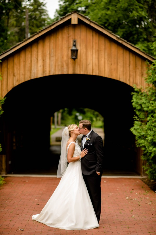 Lovely Cleveland Wedding At The Springvale Golf Course Junebug Weddings
