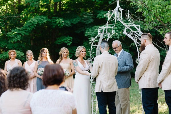 Maine-Barn-Wedding-at-Coolidge-Family-Farm-Darling-Photography (17 of 31)