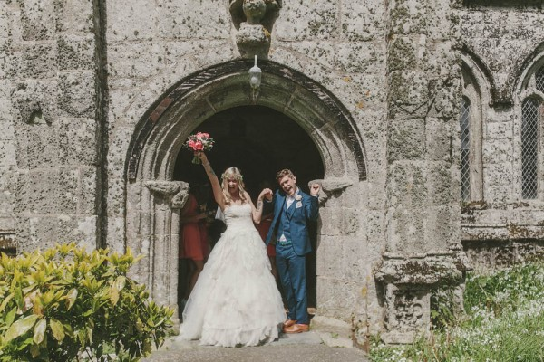 Quirky-Cornwall-Wedding-at-YHA-Treyarnon-Millie-Benbow-Photography-27