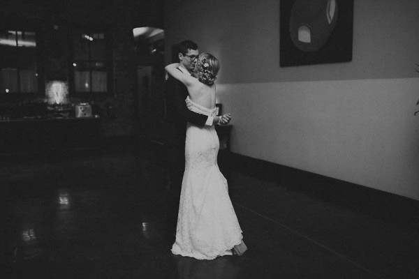 Quirky-Missouri-Wedding-at-Historic-Firehouse-No-2-Aaron-and-Whitney-Photography (43 of 45)