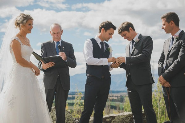 Relaxed-Farm-Wedding-in-Wanaka-Andy-Brown-Photography (11 of 33)
