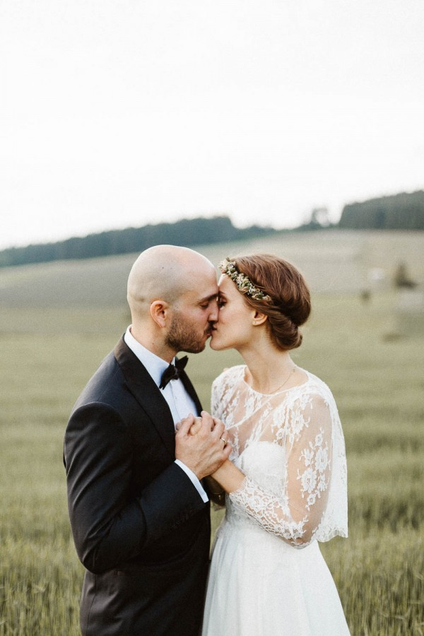 Relaxed-and-Natural-Barn-Wedding-in-Germany-Kevin-Klein-2-3
