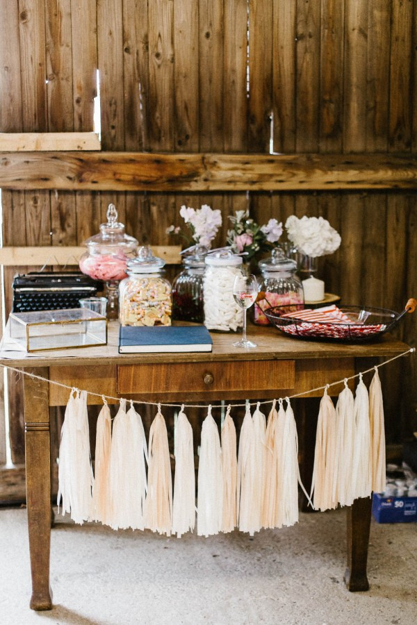 Relaxed-and-Natural-Barn-Wedding-in-Germany-Kevin-Klein-8765