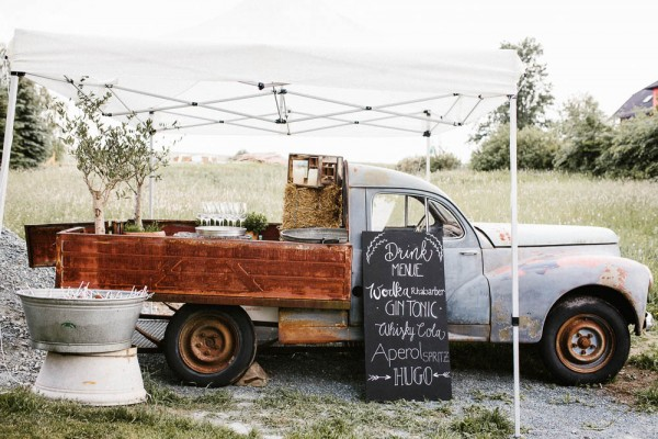 Relaxed-and-Natural-Barn-Wedding-in-Germany-Kevin-Klein-8843