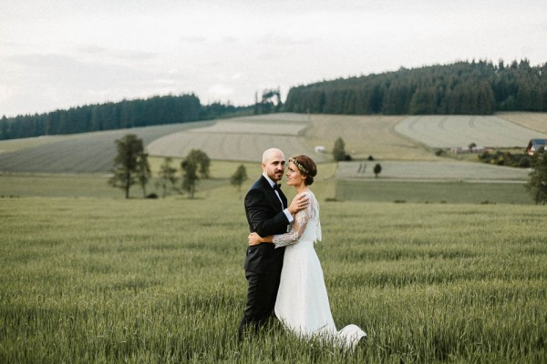 Relaxed-and-Natural-Barn-Wedding-in-Germany-Kevin-Klein-9076