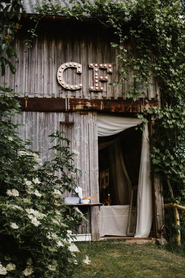 Relaxed-and-Natural-Barn-Wedding-in-Germany-Kevin-Klein-9242