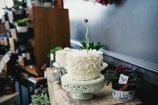 Vintage-Rustic-Wedding-at-Steam-Whistle-Brewery-Love-by-Lynzie-Events (12 of 24)