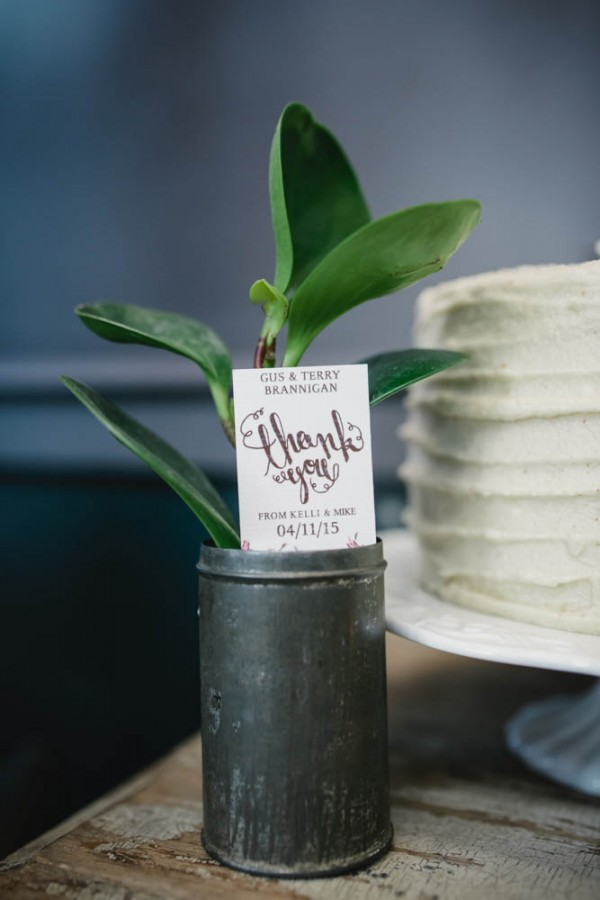Vintage-Rustic-Wedding-at-Steam-Whistle-Brewery-Love-by-Lynzie-Events (13 of 24)