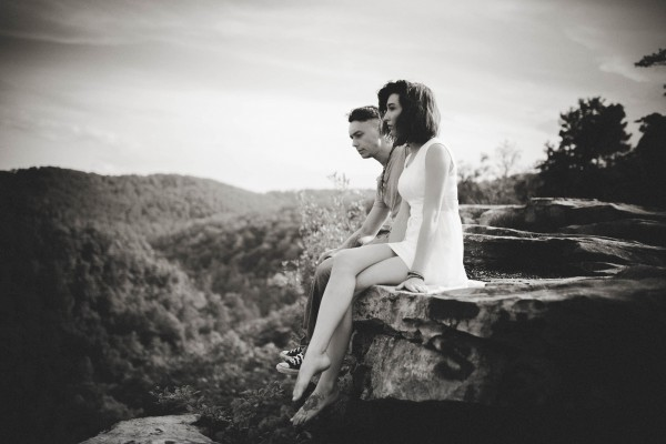 Virginia-Engagement-Photos-in-Jefferson-National-Forest-Brandi-Potter-Photography-2-3