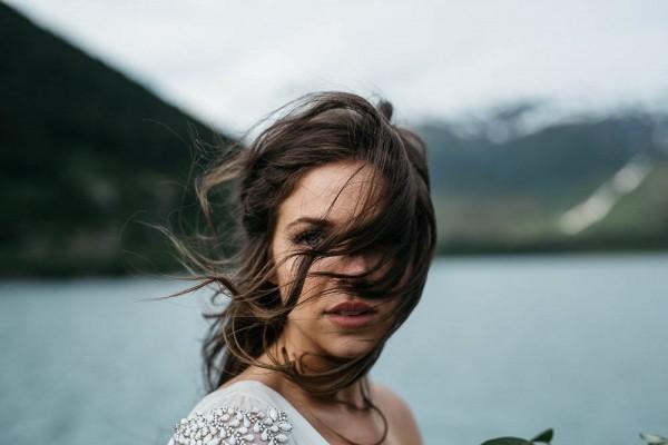 Alaskan-Elopement-Inspiration-at-Portage-Lake-Jess-Hunter-Photography-5809